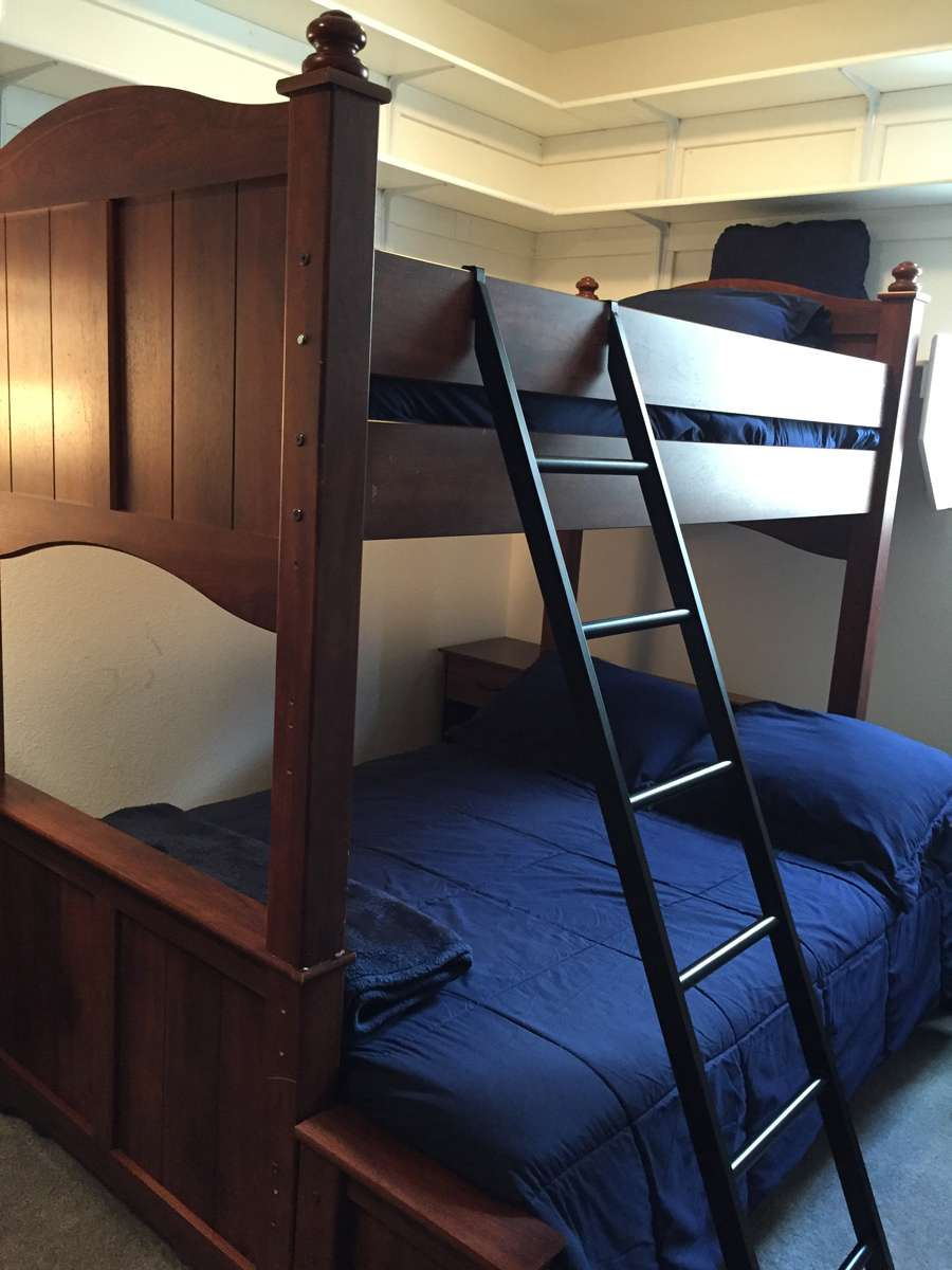 Shared Room Sleeps 3 - Twin Over Full Bunk Beds Plus Single Sleeper